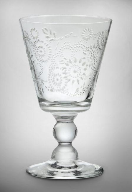 glas mit ornamenten produktfoto